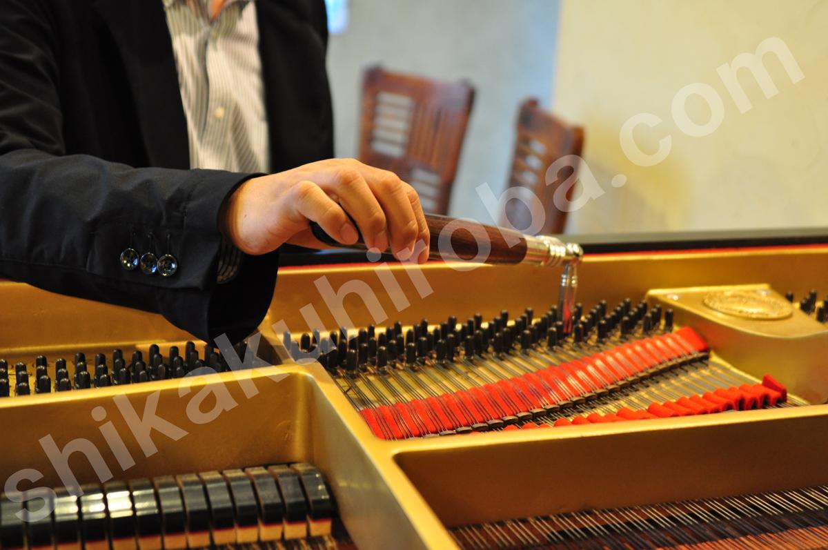ピアノ 調律師 音楽