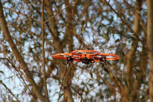 drone-1007335_640