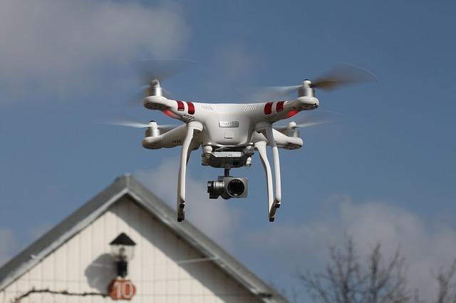 drone-1859185_640