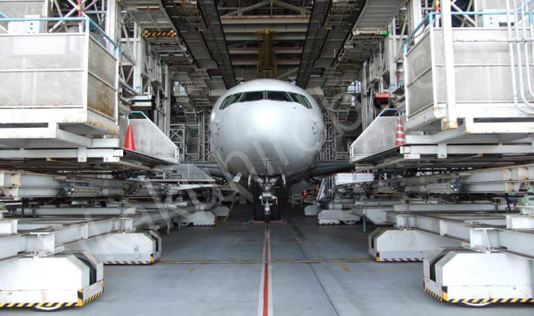 航空工場整備士