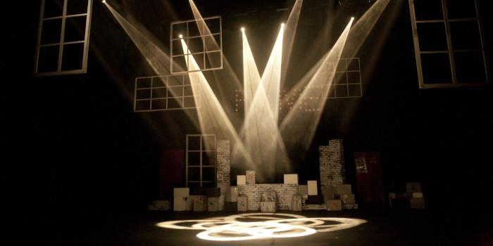 照明 舞台