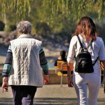 サービス介助士と女性