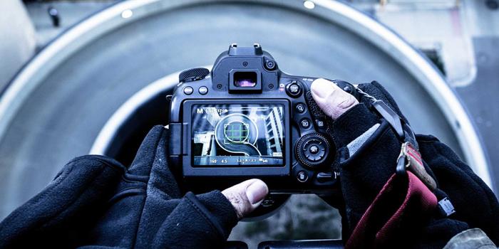 フォトグラファーとカメラマンの違いと年収
