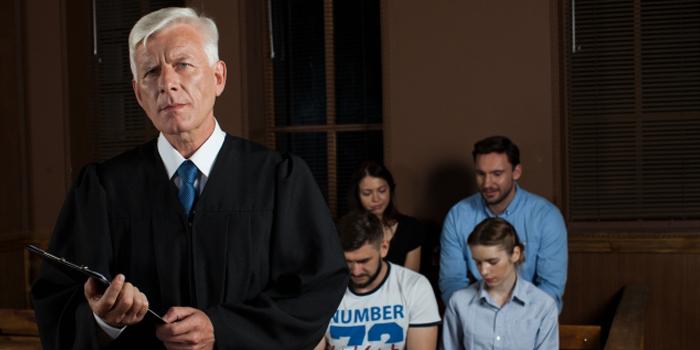 裁判官 辞める時