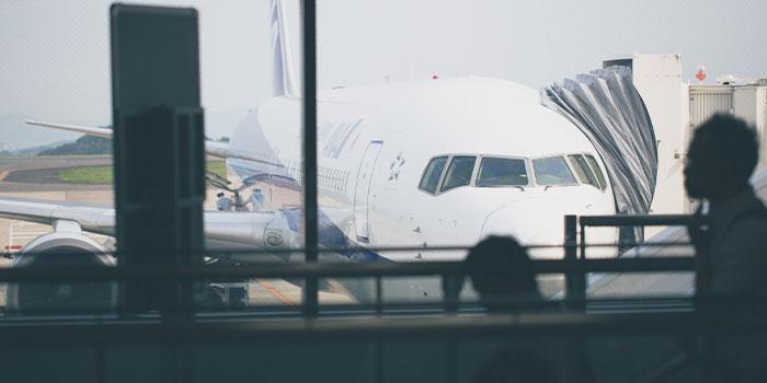 女性パイロットの年収