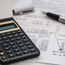 損害保険募集人試験の難易度