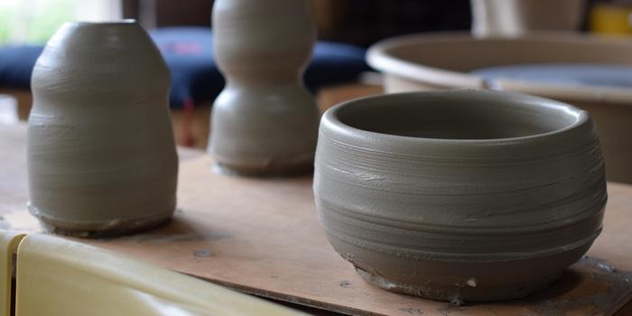 陶芸家として生計を立てる
