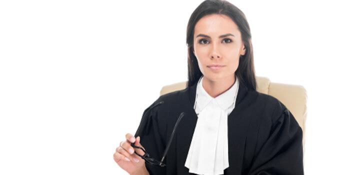裁判官 目指したきっかけ-