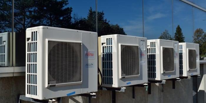エアコンを取り付けるエアコン業者について