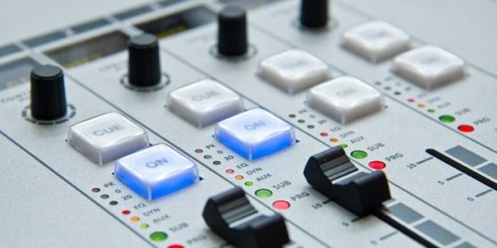 ラジオパーソナリティのなり方