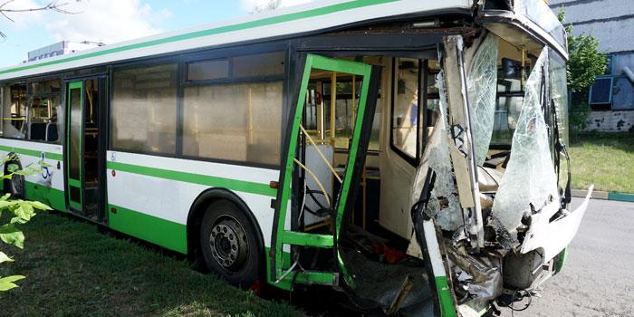 バスの交通事故